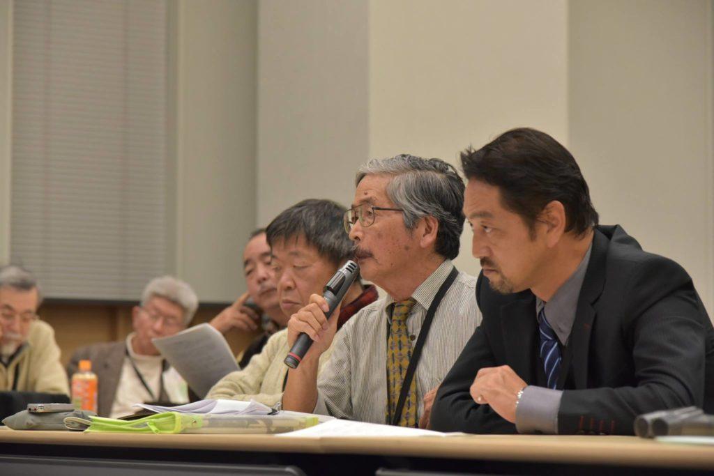 北上田毅さん(辺野古抗議船・船長)。「不時着ではなく墜落だ」と報告した。