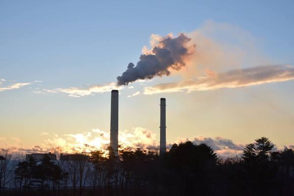 火力発電所の煙