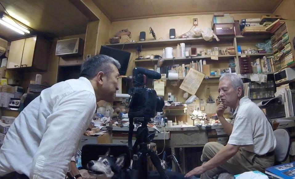 歯科技工士・大島良市さんの仕事場にて(C)MICHIHIKO IWASAWA