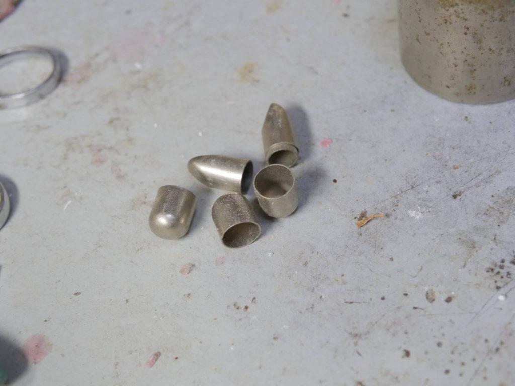 「バケツ冠」と呼ばれた銀歯