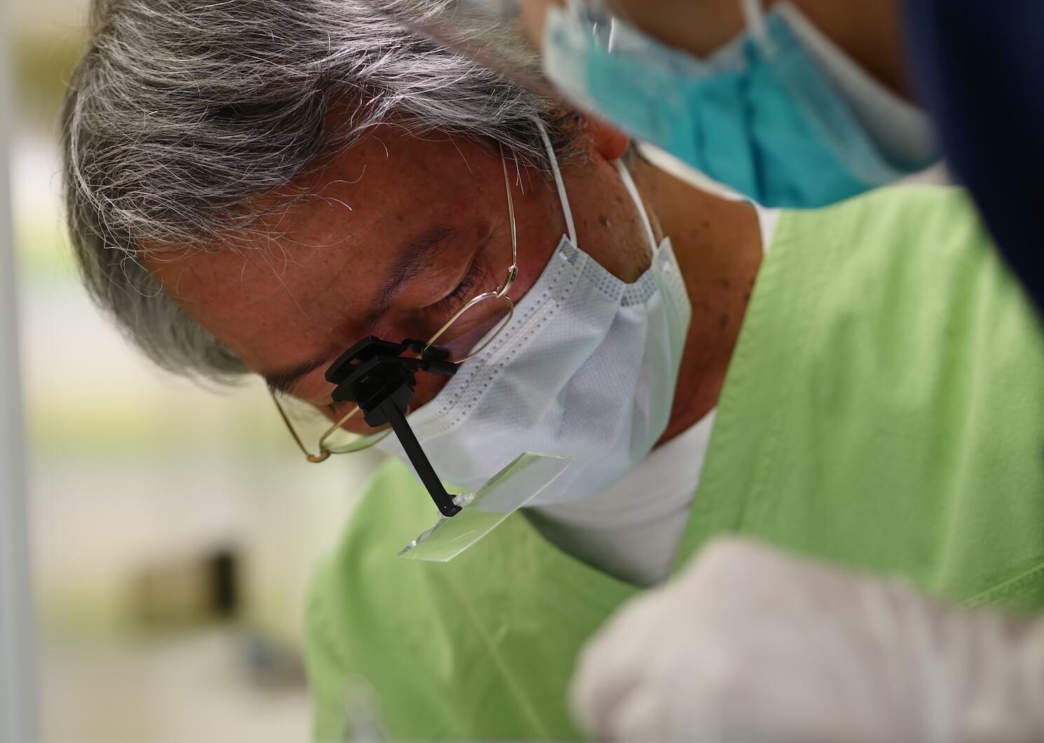 歯周病治療の専門家・弘岡秀明先生